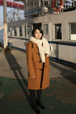 Chisaki Morito White Swimsuit Bikini Girl Waiting for Boat Morning Musume008