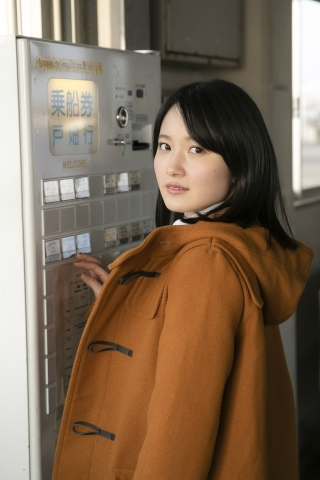 Chisaki Morito White Swimsuit Bikini Girl Waiting for Boat Morning Musume007