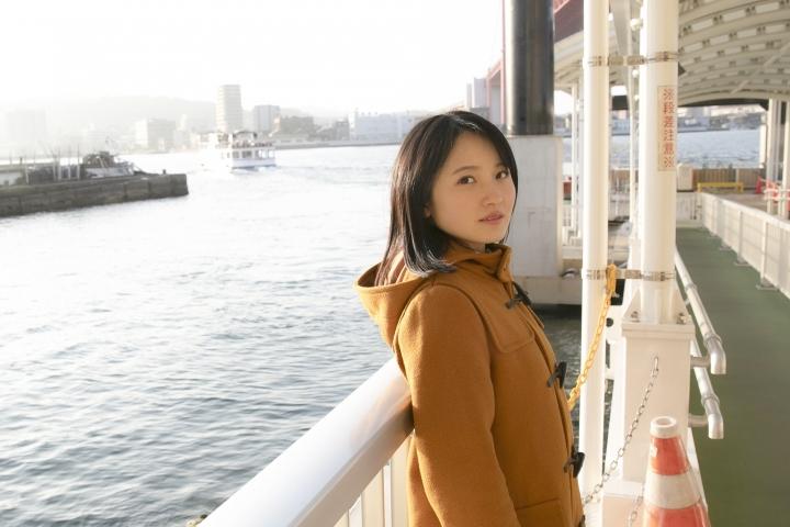 Chisaki Morito White Swimsuit Bikini Girl Waiting for Boat Morning Musume010