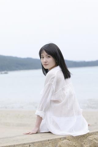 Chisaki Morito White Swimsuit Bikini Girl Waiting for Boat Morning Musume011