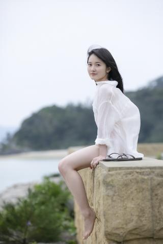 Chisaki Morito White Swimsuit Bikini Girl Waiting for Boat Morning Musume013