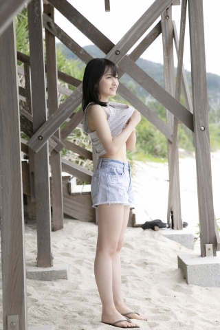 Chisaki Morito White Swimsuit Bikini Girl Waiting for Boat Morning Musume020