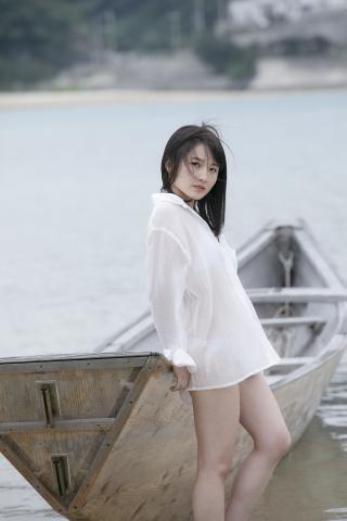 Chisaki Morito White Swimsuit Bikini Girl Waiting for Boat Morning Musume014