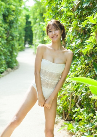 Asuka Kawazu the strongest smiling royal heroine014