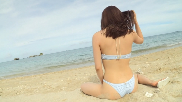 Anri Gendo the white body of a bewitching girl026