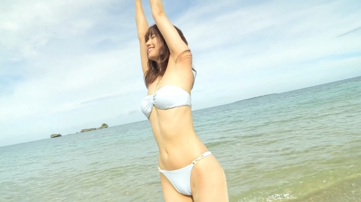Anri Gendo the white body of a bewitching girl028