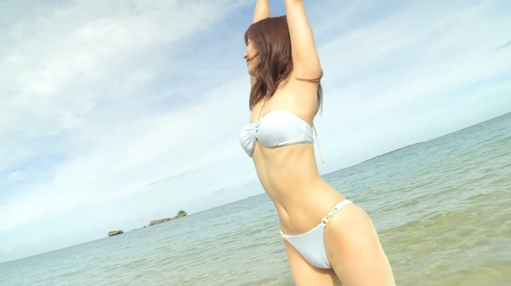 Anri Gendo the white body of a bewitching girl029