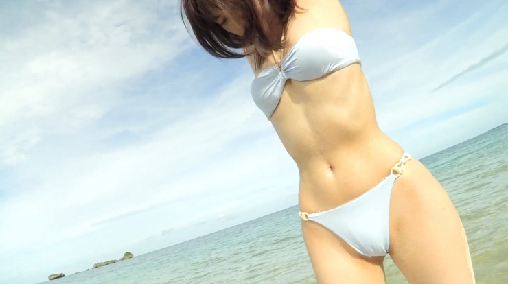Anri Gendo the white body of a bewitching girl032