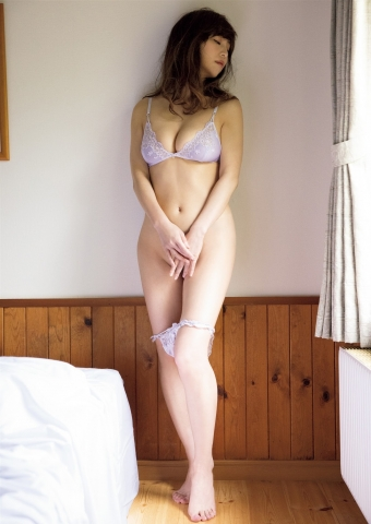 Misumi Shiochi my first sensual naked body008