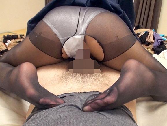 黒髪美少女が女子校生の制服とパンストで足コキしたり着衣SEXの脚フェチDVD画像5