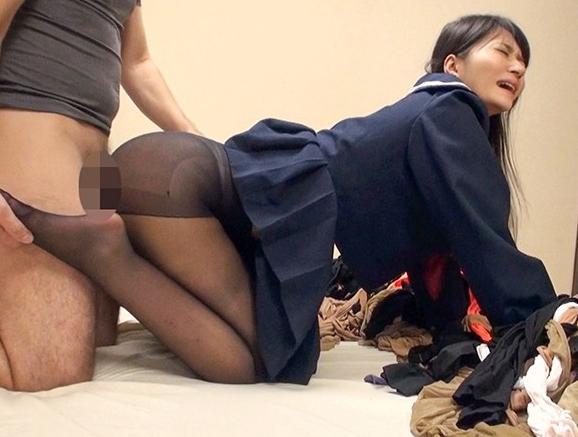 黒髪美少女が女子校生の制服とパンストで足コキしたり着衣SEXの脚フェチDVD画像4
