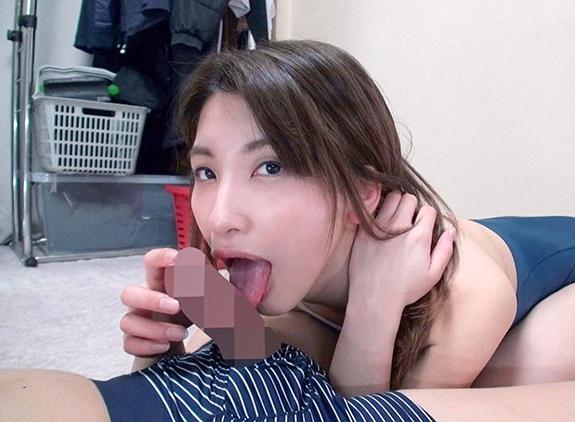 スクール水着をお姉さんが生足コキや着衣SEXでご奉仕しますの脚フェチDVD画像1