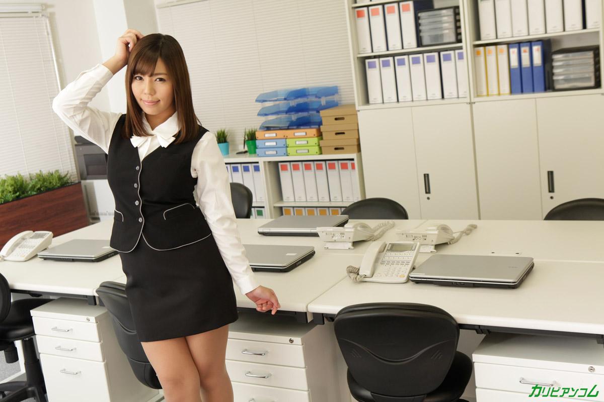 誰もいないオフィスで後ろから突然でした