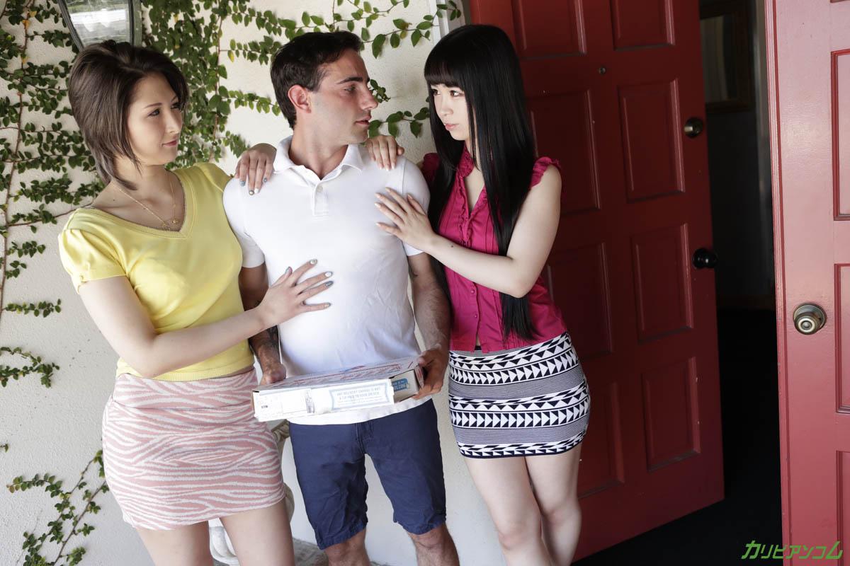 ピザデリバリーボーイをステイホームに誘い込むホームステイ留学生