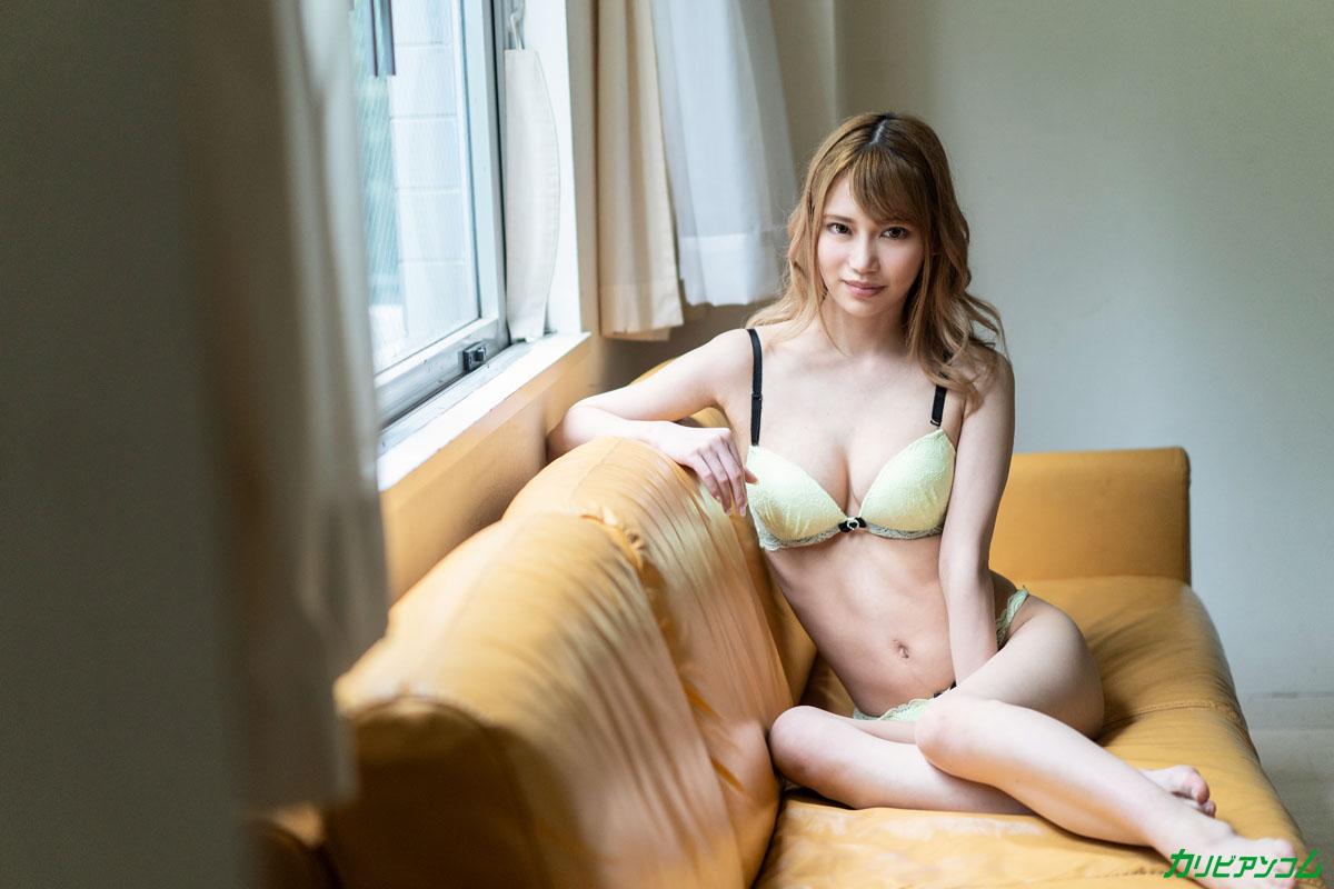 Debut Vol.54 ~超イキ体質のスレンダー巨乳美女と中出し~