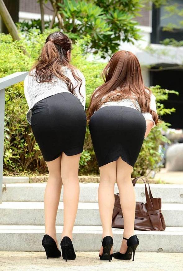 ミニスカート6203.jpg
