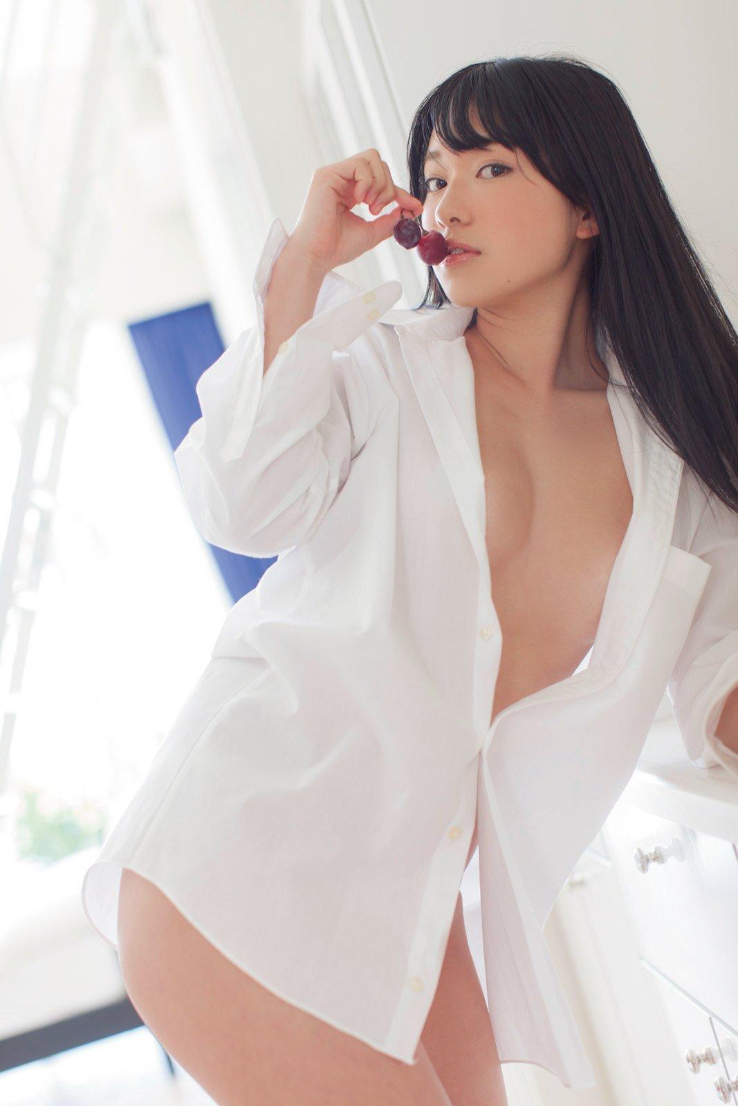 白シャツ女子 24