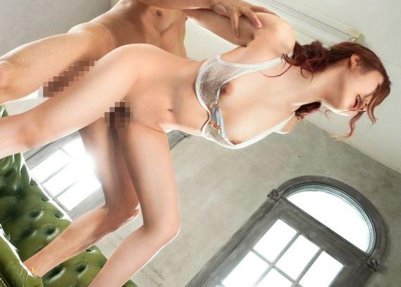 プレステージ専属女優の『斎藤あみり』が狂喜乱舞の潮吹き性交で限界突破!