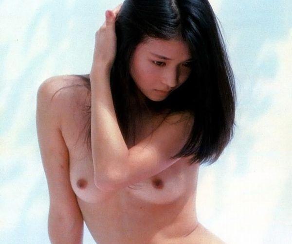 田中美佐子の若かりし頃 小さめ乳首のヌード画像