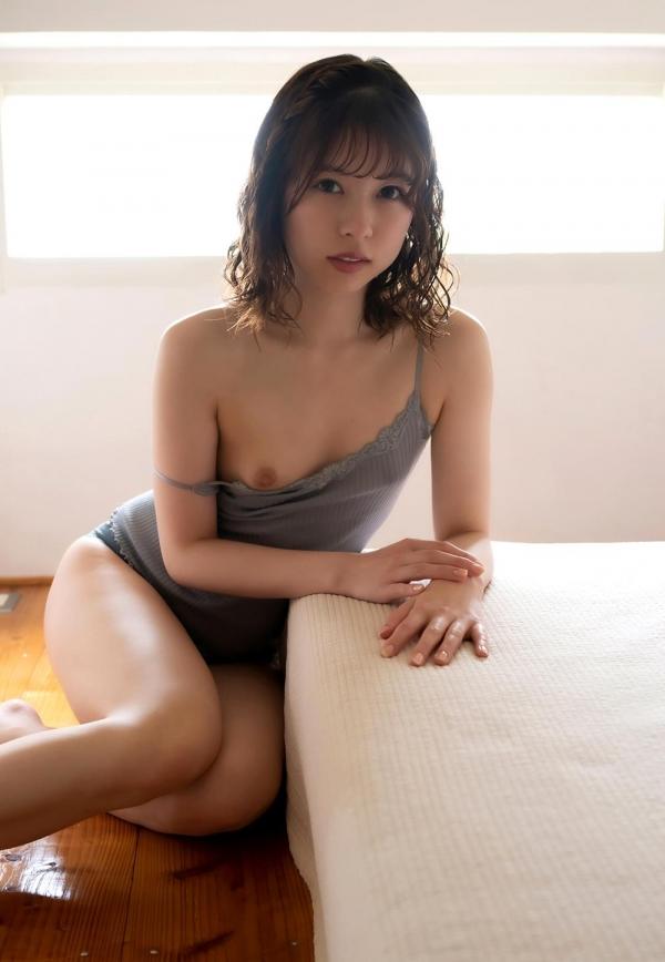 あおいれな(葵玲奈)年内でAV引退、微乳美女ヌード画像60枚のb021枚目