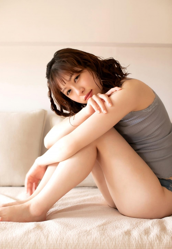 あおいれな(葵玲奈)年内でAV引退、微乳美女ヌード画像60枚のb024枚目