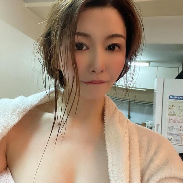 愛弓りょう(あゆみりょう)38歳 美魔女さん、エロ社長に中出しされてしまう。画像24枚のa08枚目