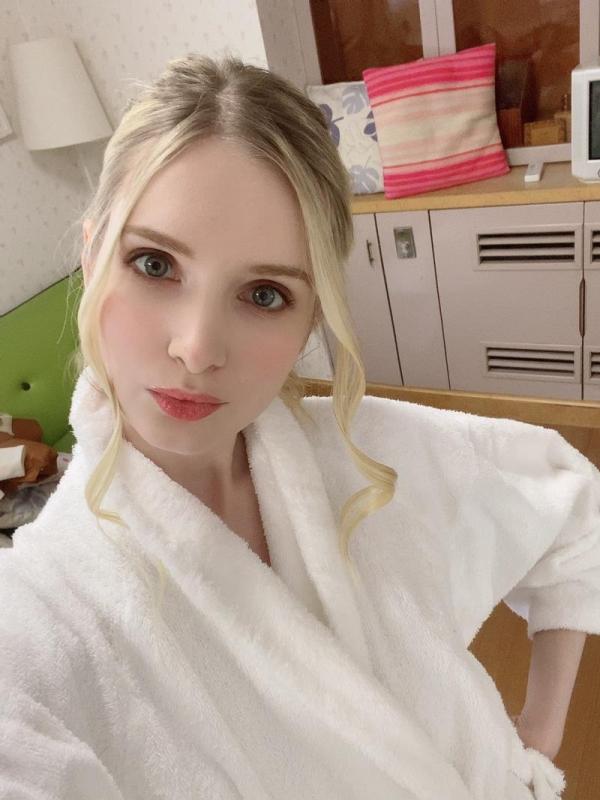 撮影現場でバスローブを着てるAV女優の画像 Part3の027枚目