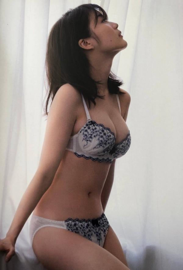 【目の保養】人気女性芸能人の水着姿などセクシー画像100枚の031枚目