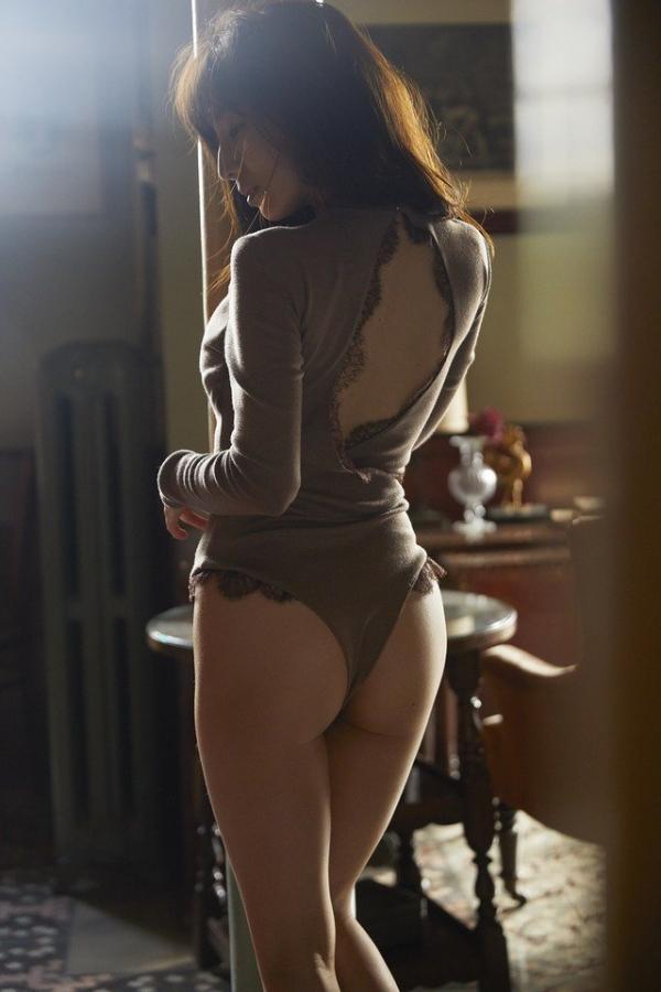 【目の保養】人気女性芸能人の水着姿などセクシー画像100枚の060枚目
