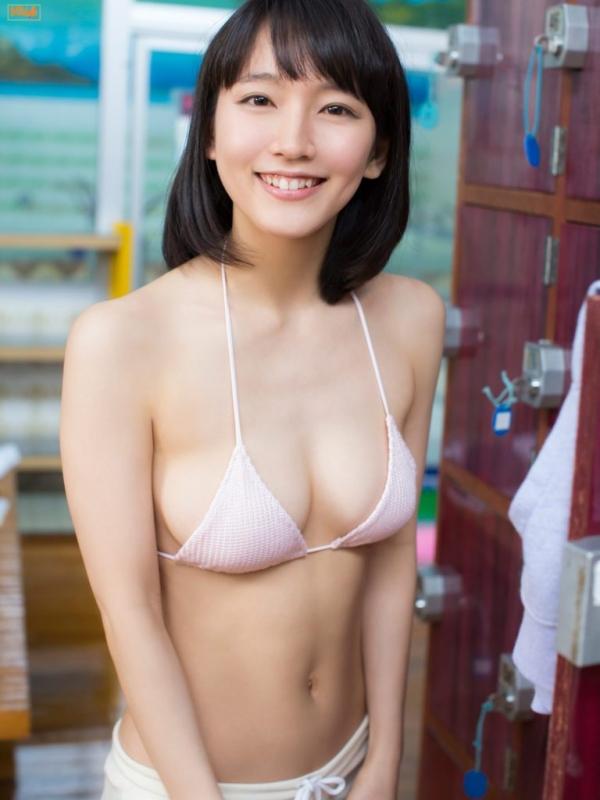 【目の保養】人気女性芸能人の水着姿などセクシー画像100枚の081枚目