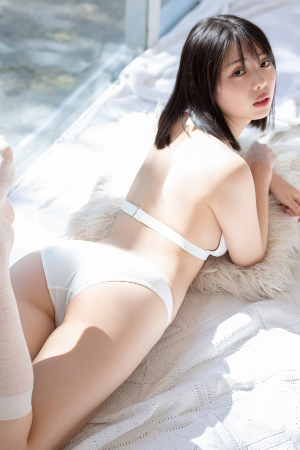 【目の保養】人気女性芸能人の水着姿などセクシー画像100枚の096枚目