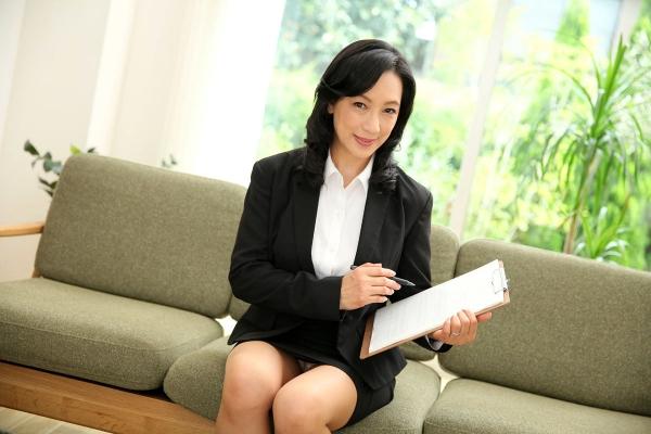 美熟女な生保レディ服部圭子53歳のセックス画像25枚の001枚目