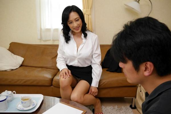 美熟女な生保レディ服部圭子53歳のセックス画像25枚の008枚目