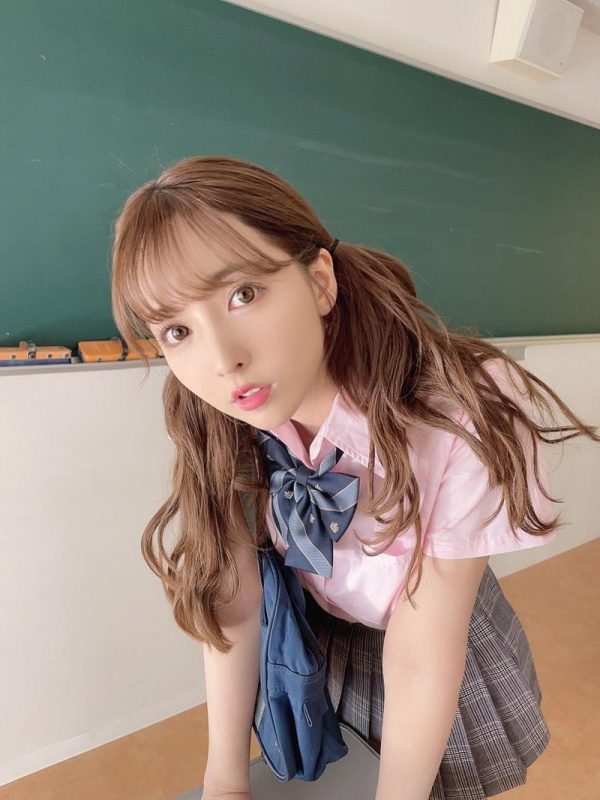 女子校生になったエッチなお姉さんのエロ画像47枚のa01枚目