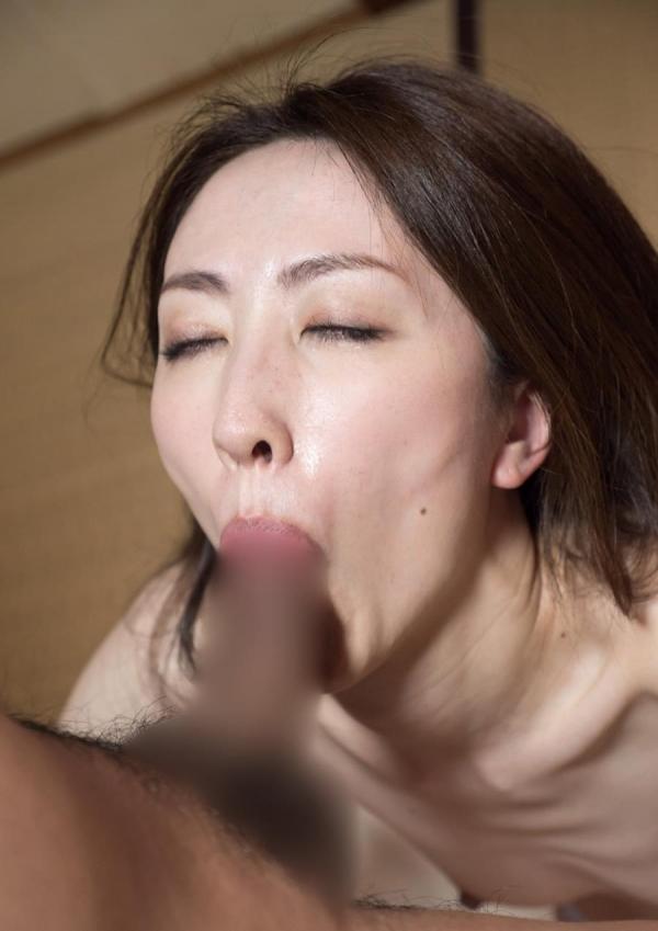 熟女フェラチオ画像 40代美女のエロい舌技20枚の04枚目