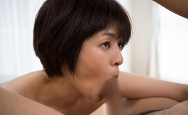 熟女フェラチオ画像 40代美女のエロい舌技20枚の15枚目