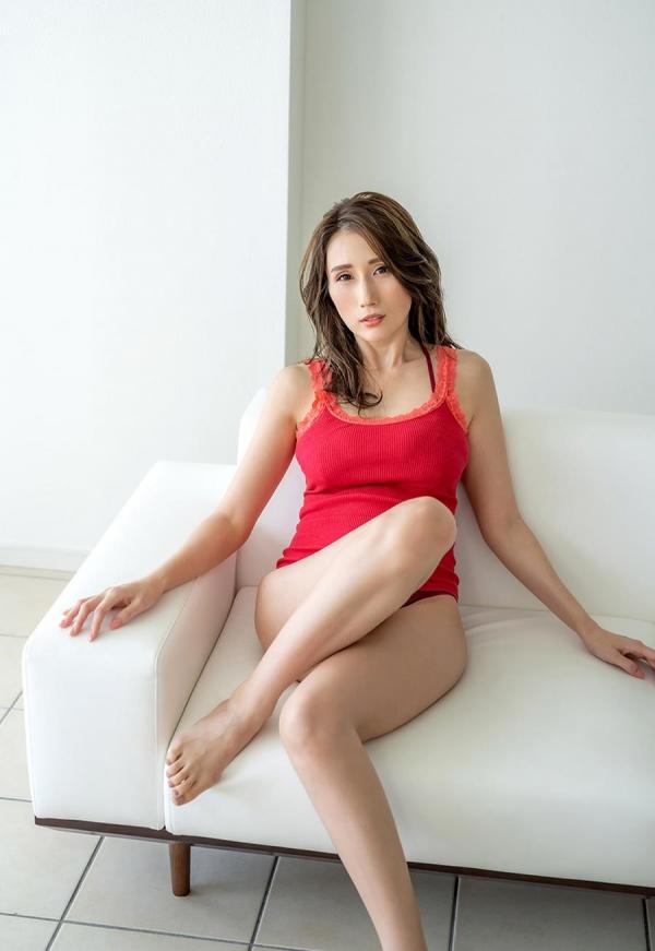 JULIA(ジュリア)さん34歳の高画質 潮吹き。画像52枚のb002枚目
