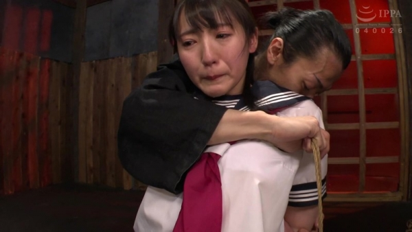 河奈亜依さん、串刺し拷問されて半狂乱になってしまう。画像37枚のb02枚目