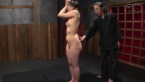 河奈亜依さん、串刺し拷問されて半狂乱になってしまう。画像37枚のb12枚目