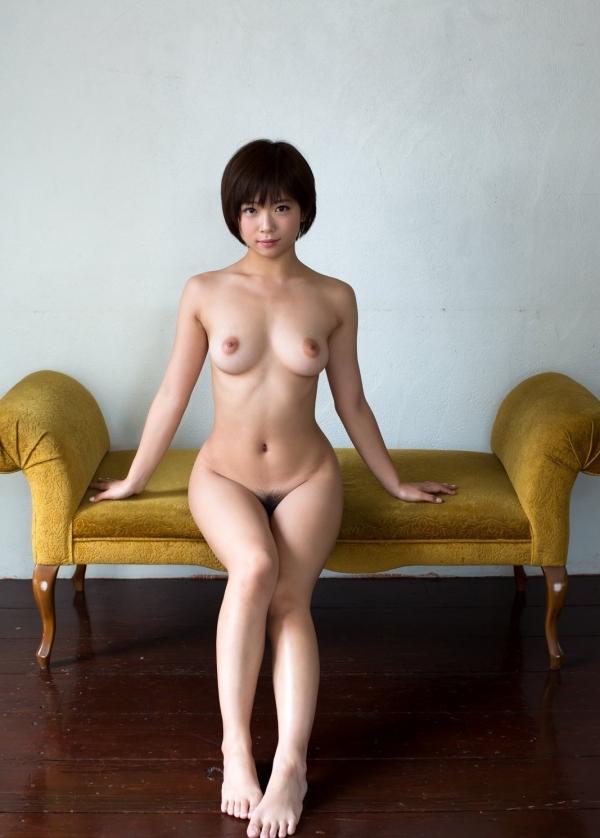 腰のくびれ、ウェストラインが艶やかなお姉さんのエロ画像63枚のb12枚目