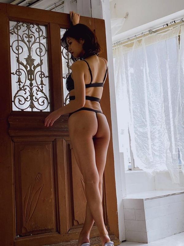 美乃すずめさん、着衣のまま後ろから犯されてしまう。画像32枚のa15枚目