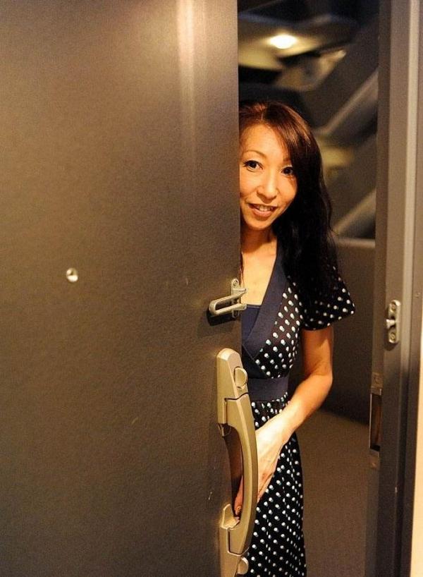 南原美智子 50歳 スレンダー熟女のセックス画像35枚の001枚目