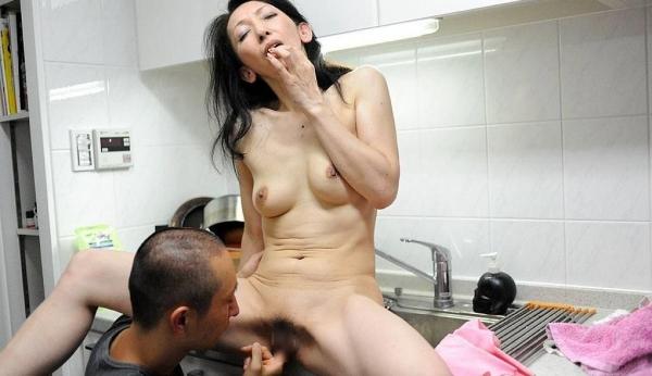 南原美智子 50歳 スレンダー熟女のセックス画像35枚の017枚目