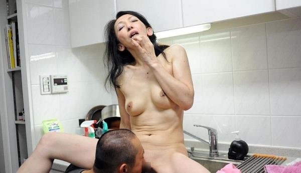 南原美智子 50歳 スレンダー熟女のセックス画像35枚の019枚目