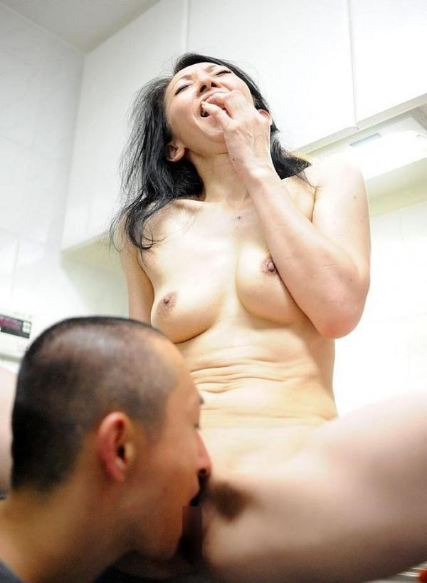 南原美智子 50歳 スレンダー熟女のセックス画像35枚の020枚目