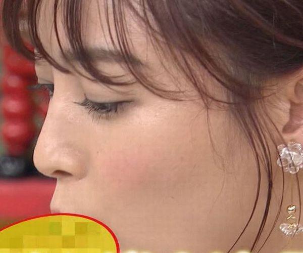 新井恵理那アナの口元に謎のモザイク!AVフェラチオを彷彿とさせる処理をされてしまう