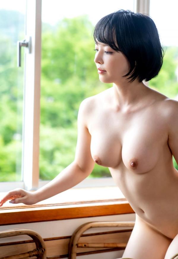 三宮つばき スレンダー美巨乳な超ドM美女画像37枚のa25枚目