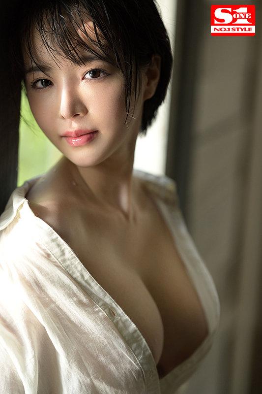 三宮つばき スレンダー美巨乳な超ドM美女画像37枚のb02枚目