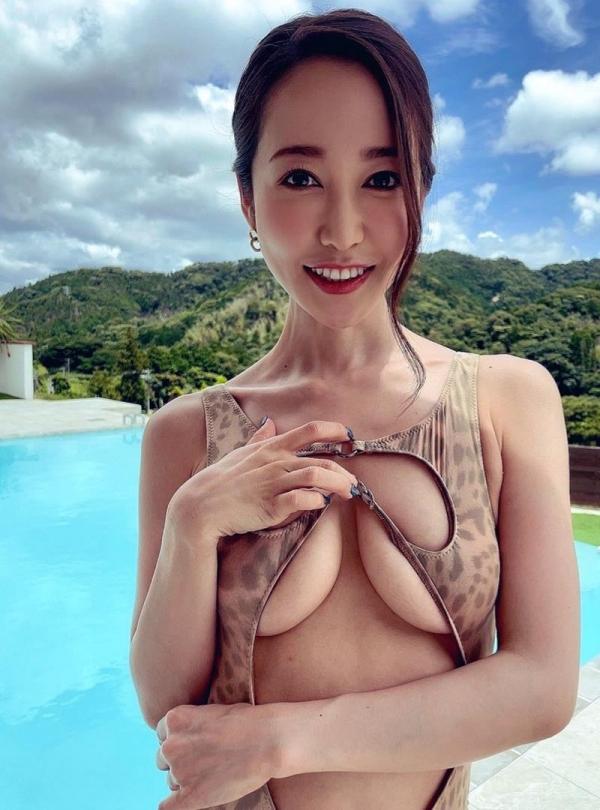 篠田ゆう カラダもエロ度もプレミアムなエッチなお姉さん画像33枚のa08枚目