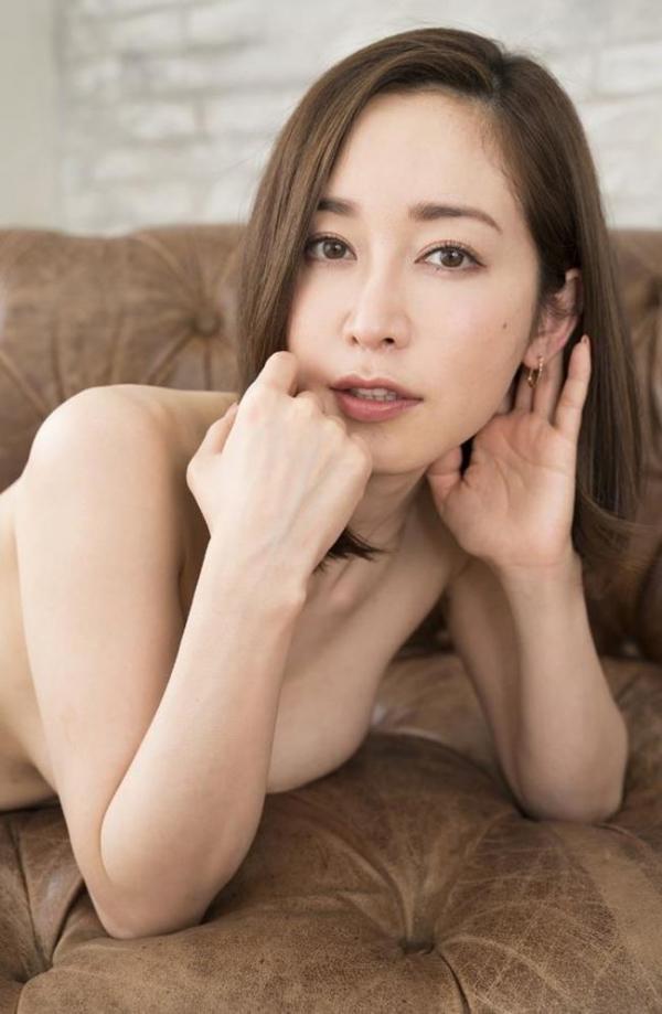 篠田ゆうさん、不倫セックスの一部始終を語りはじめる。画像49枚のb003枚目